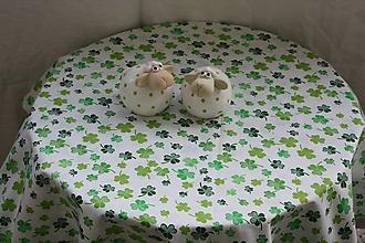 Úžitkový textil - Obrus. Jarný biely so zelenými lístkami. - 12969001_