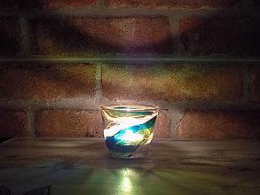 Svietidlá a sviečky - Svietnik na čajovú svičku - Green Spiral - 12969659_