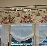 Záclona bordo ružičky