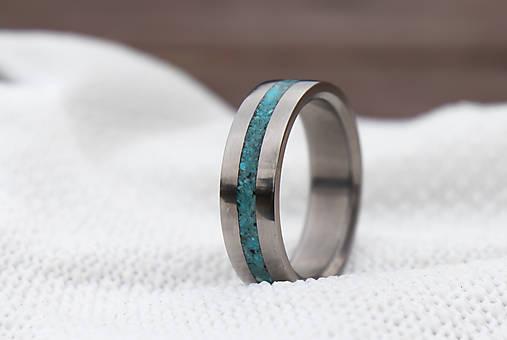 Titanový prsteň s tyrkysom
