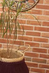 Nádoby - Prírodný kvetináč z morskej trávy bordový YETTY - 12971401_