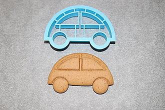 Pomôcky - Vykrajovačka 2v1 - autíčko - 12970798_