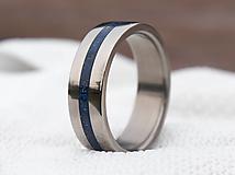 Prstene - Titanový prsteň s Lapis lazuli - 12977059_
