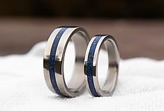 Prstene - Titanové obrúčky s Lapis Lazuli - 12977071_