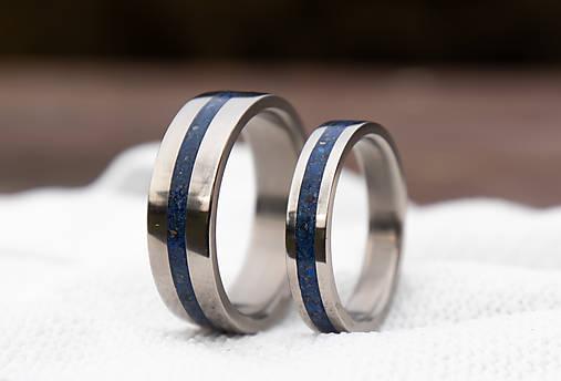 Titanové obrúčky s Lapis Lazuli