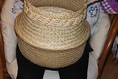 Dekorácie - Košík z morskej trávy s macramé opaskom - 12977972_