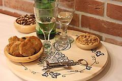 Pomôcky - Servírovací ručne maľovaný otočný podnos pre milovníkov vína. - 12981312_