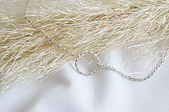 Filigránový náhrdeľník