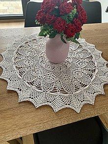 Úžitkový textil - Háčkovaný obrus - 12985701_