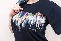 Tričká - Unisex tmavomodré maľované tričko s abstraktným vzorom - 12988029_
