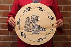 Pomôcky - Servírovací ručne maľovaný otočný podnos pre milovníkov vína. - 12991530_