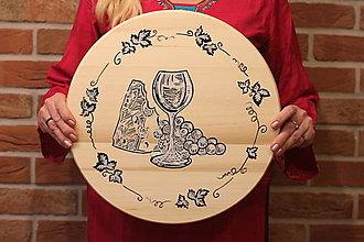 Pomôcky - Servírovací ručne maľovaný otočný podnos pre milovníkov vína. - 12991527_