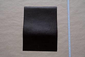 Suroviny - Zbytková koža tmavohnedá hladenica (kus č. 13) - 12993264_