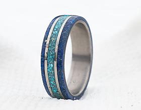 Prstene - Titanový prsteň s tyrkysom a lapis lazuli - 12996372_