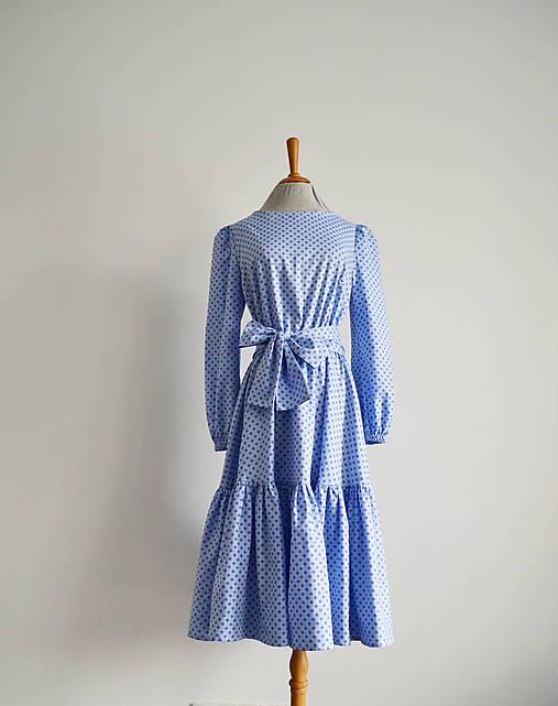 Šaty - Bavlnené šaty s elastickým pásom a volánom  - 12998129_
