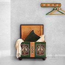 Nábytok - Maľovaná interiérová truhlica - 13003190_