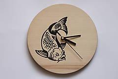 Dar pre rybára - nástenné bukové hodiny ručne maľované