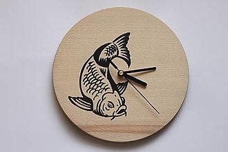 Hodiny - Dar pre rybára - nástenné bukové hodiny ručne maľované - 13001282_