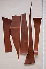 Suroviny - Zbytková hladenica väzy karamelová lesklá 2–2,5 mm - 13003282_