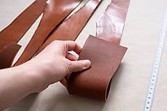 Suroviny - Zbytková hladenica väzy karamelová lesklá 2–2,5 mm - 13003286_