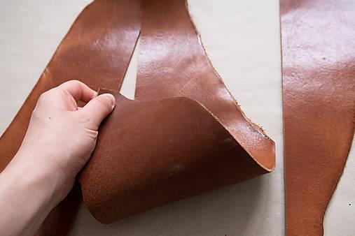 Zbytková hladenica väzy karamelová lesklá 2–2,5 mm