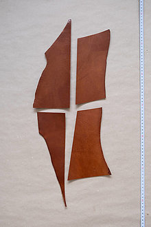 Suroviny - Zbytková hladenica väzy karamelová lesklá 2–2,5 mm (bal č. 3) - 13003278_