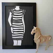 Obrazy - V šatách s pásikmi... - 13007047_