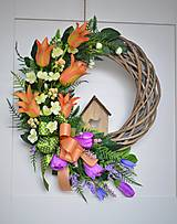 Dekorácie - Jarný veniec s tulipánmi - 13013636_