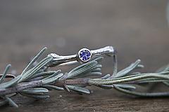 Prstene - Vetvičkový strieborný s tanzanitom - 13015453_