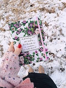 Papiernictvo - A6 zápisník Frida a veľké kvety (nápis na želanie) (S čistými listami bez linajok) - 13023982_
