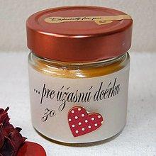 Svietidlá a sviečky - Sviečka v strednom sklenom poháriku personifikovaná - 13023368_