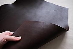 Suroviny - Zbytková hladenica tmavohnedá 3 mm (väčšie kusy) - 13027727_