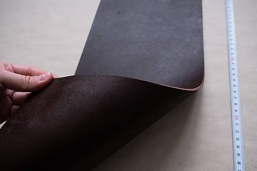 Zbytková hladenica tmavohnedá 2–2,5 mm