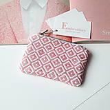 Ručne vyšívaná elegantná peňaženka - pink