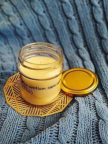 Svietidlá a sviečky - Sójová sviečka v zaváraninovom pohári s citátom - 13032095_