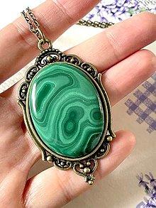 Náhrdelníky - Natural Malachite Bronze Necklace / Výrazný náhrdelník s malachitom v bronzovom prevedení - 13040540_
