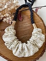 Náhrdelníky - Schrunchie náhrdelník - šedá & krémová - 13046784_