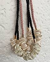 Náhrdelníky - Schrunchie náhrdelník - šedá & krémová - 13046785_