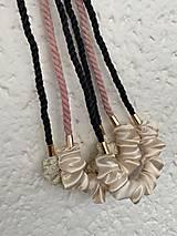 Náhrdelníky - Schrunchie náhrdelník - šedá & krémová - 13046786_