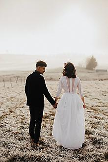 Šaty - Svadobné šaty z hačkovanej krajky a holým chrbátom do Vs dlhým rukávom - 13044842_