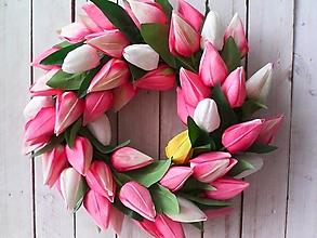 Dekorácie - Veniec na dvere ...keď rozkvitnú tulipány... - 13051300_