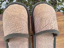 Obuv - Hnedé vzorované papuče - 13049146_