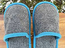 Obuv - Šedé papuče so svetlomodrým lemom - 13049764_