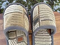 Obuv - Béžové papuče so vzorom a šedým lemom - 13051327_