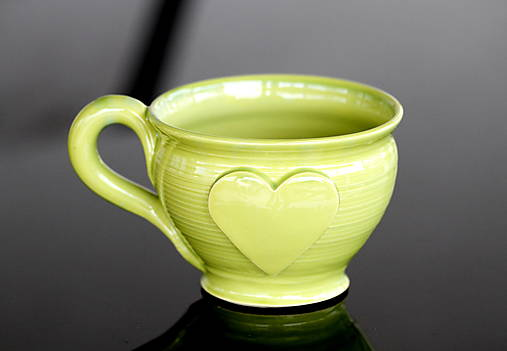 Keramická šalka veľká so srdiečkom 200ml (zelená)