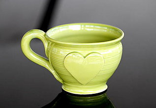 Nádoby - Keramická šalka veľká so srdiečkom 200ml (zelená) - 13054668_