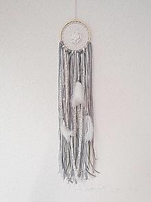 Dekorácie - Lapač snov 13cm sivo-krémovo-biely - 13054760_