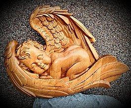 Dekorácie - Drevorezba Anjel Dieťa - 13055879_