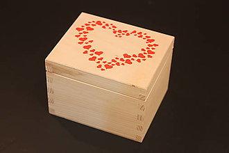 Krabičky - Drevená krabička SRDCE - 13053317_