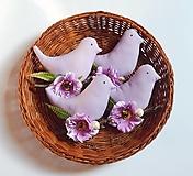 Dekorácie - Vtáčik na zavesenie - fialková - 13054729_